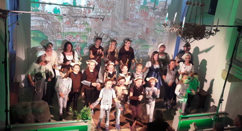 Aufführung in der Kirche von Kriegelstein